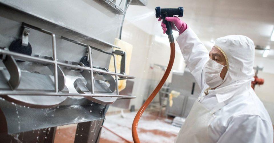 Melhores práticas de limpeza, essenciais na indústria de alimentos - Científica