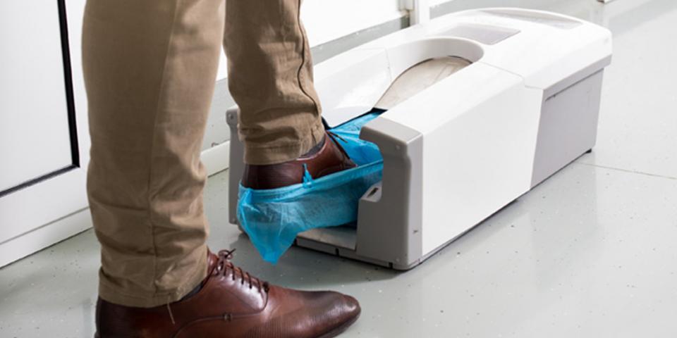 Propé-automático-para-sala-limpa-e-a-proteção-ideal-para-os-calçados